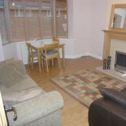 Rent this 2 bed house on Featherbank Terrace in Leeds LS18, United Kingdom