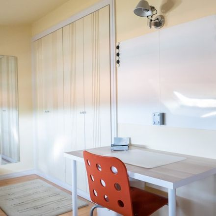Rent this 6 bed apartment on Calle de Tampico in 28001 Madrid, Spain