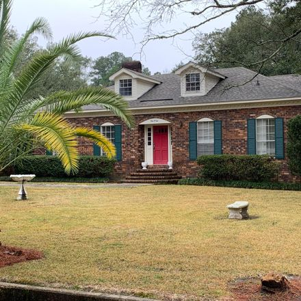Rent this 5 bed house on W Lakeside Dr in Hattiesburg, MS