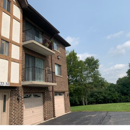 Rent this 2 bed townhouse on 1736 South Washington Street in Naperville, IL 60565