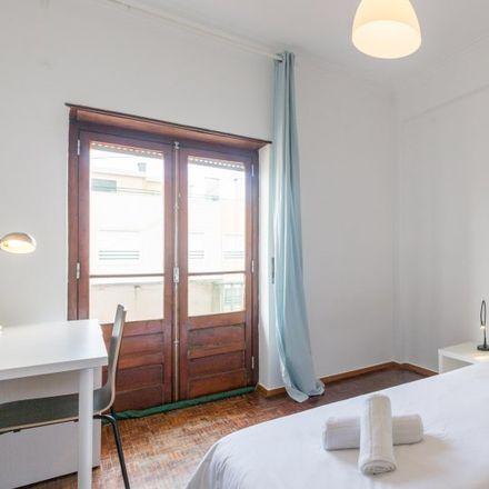 Rent this 4 bed apartment on Restaurante Santo António in Rua de Almada 34, 2825-450 Costa da Caparica