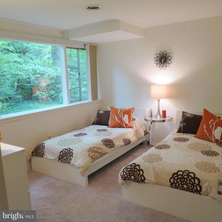 Rent this 5 bed house on Mason Hill Dr in Alexandria, VA