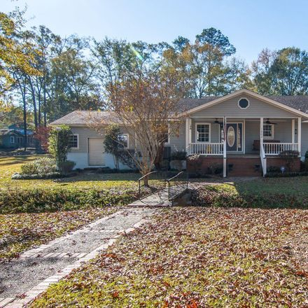 Rent this 3 bed house on 1902 Camp Street in Hattiesburg, MS 39401
