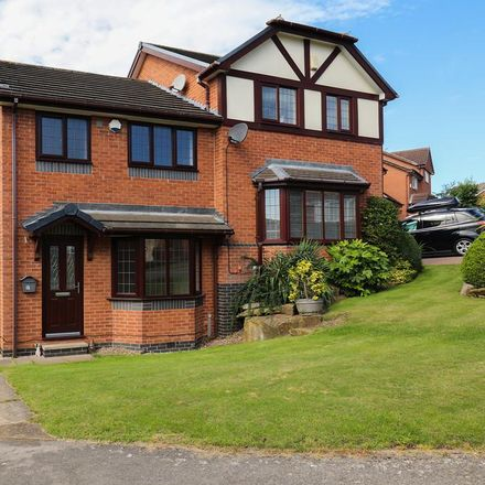 Rent this 3 bed house on Moor Farm Avenue in Sheffield S20 5JP, United Kingdom