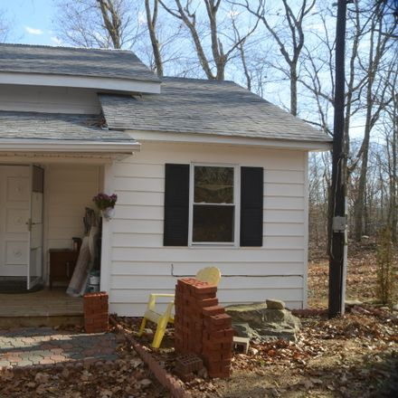Rent this 2 bed house on Elm Rd in Saw Creek, PA