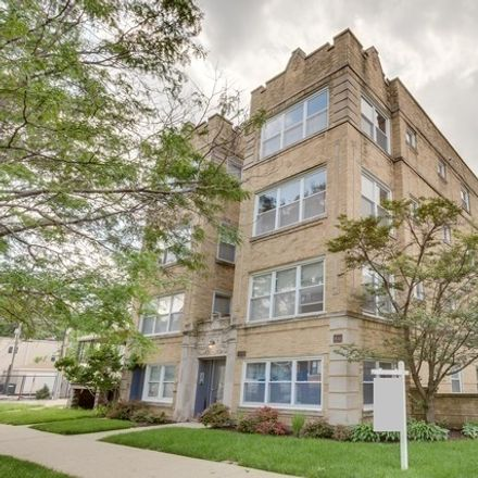 Rent this 2 bed condo on 4660 North Spaulding Avenue in Chicago, IL 60659
