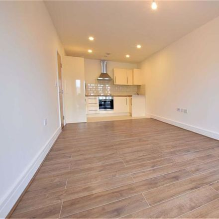 Rent this 1 bed apartment on Iceland in St Johns Way, Corringham SS17 7LW