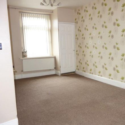 Rent this 3 bed house on Trealaw Road in Tonypandy CF40 2LG, United Kingdom