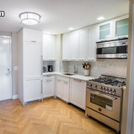 Rent this 1 bed apartment on Yorkshire Towers in East 87th Street, New York