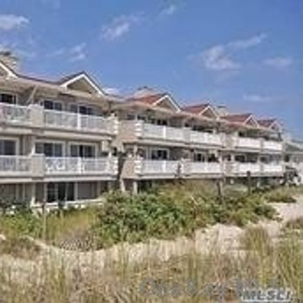 Rent this 3 bed condo on Oceanfront St in Long Beach, NY