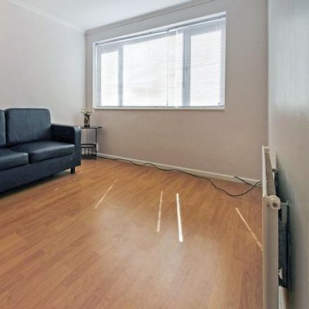 Rent this 3 bed house on Buchanan Drive in Luton LU2 0RT, United Kingdom