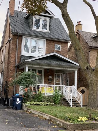 Rent this 3 bed house on 980 St. Clarens Avenue in Toronto, ON M6E 1C3