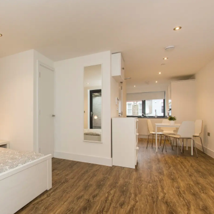 Rent this 1 bed apartment on 87 Hermitage Road in London N4 1NL, United Kingdom