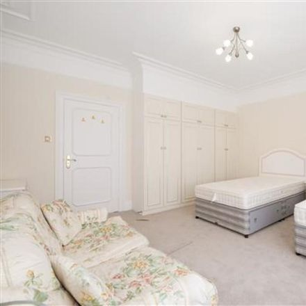 Rent this 3 bed apartment on Cumberland Mansions in Seymour Place, London W1H 2NA