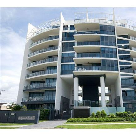 Rent this 3 bed apartment on 301/1 Stanhill Drive