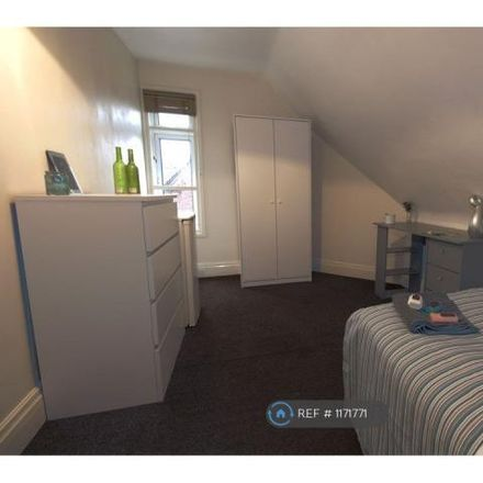 Rent this 1 bed room on The Victoria Club in Cross Street West, Goole