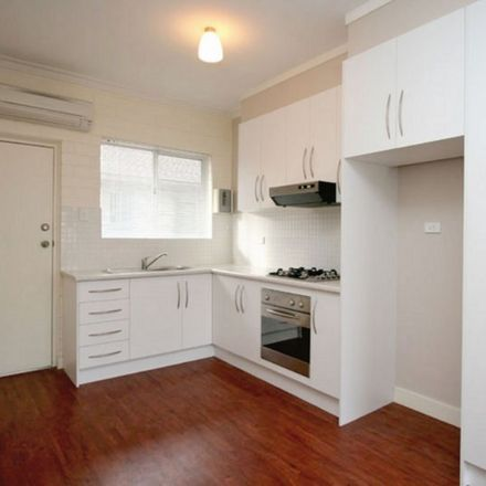 Rent this 2 bed apartment on 6/11 Alexander Street