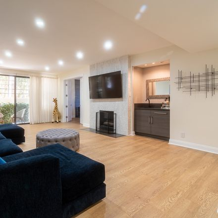 Rent this 3 bed condo on South Beverly Glen Boulevard in Los Angeles, CA 90024-2613