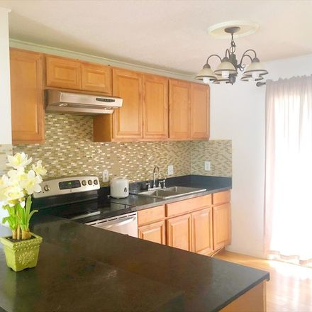 Rent this 2 bed condo on 322 Ohai Street in Hilo CDP, HI 96720
