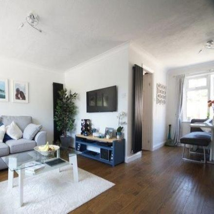 Rent this 3 bed house on Conde Way in Bordon GU35 0XF, United Kingdom