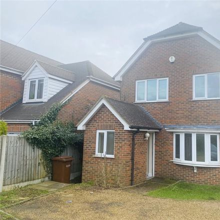 Rent this 3 bed house on Vine Cottage in 229 Frindsbury Hill, Frindsbury ME2 4JS