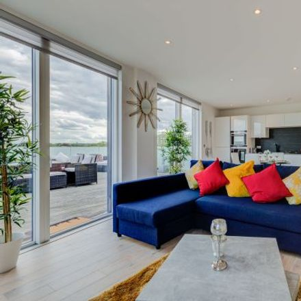 Rent this 3 bed apartment on Goat Wharf in London TW8 0FS, United Kingdom