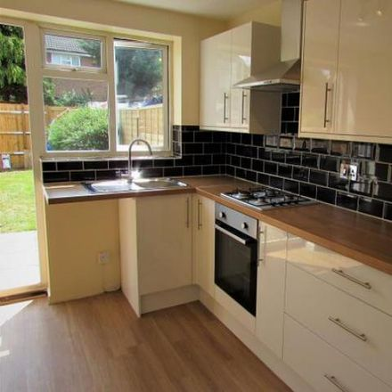 Rent this 2 bed house on Luton LU4 0YA