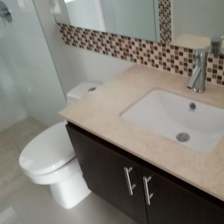Rent this 3 bed apartment on Titanic Cambios in Carrera 5, Comuna 3