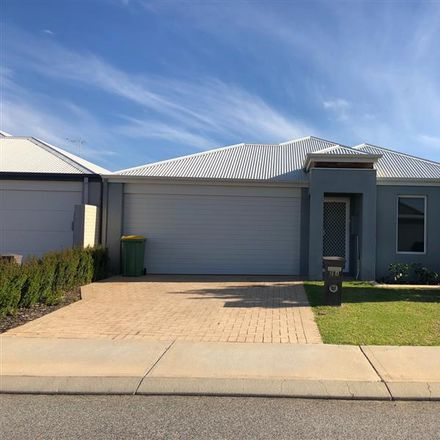 Rent this 4 bed house on 20A Stainsby Turn