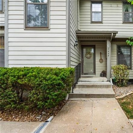 Rent this 2 bed townhouse on 7458 Nall Avenue in Prairie Village, KS 66208