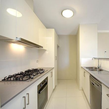 Rent this 2 bed apartment on 67/1 Russell Street