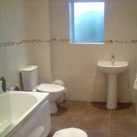 Rent this 1 bed room on Sir Percy Florence Shelley (J.D. Wetherspoon) in Christchurch Road, Holdenhurst BH7 6BY