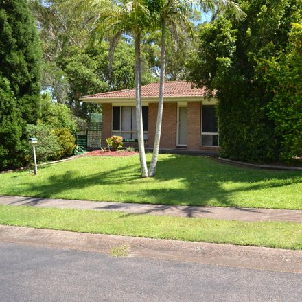Rent this 3 bed house on 8 Lawrie Street