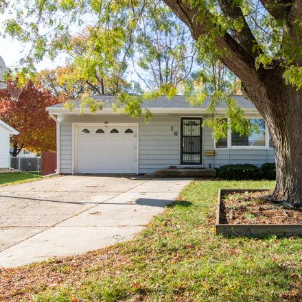 Rent this 3 bed house on 16 Wilmette Drive in Normal, IL 61761