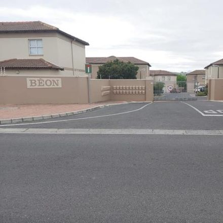 Rent this 3 bed apartment on Alomzicht Close in Cape Town Ward 8, Brackenfell