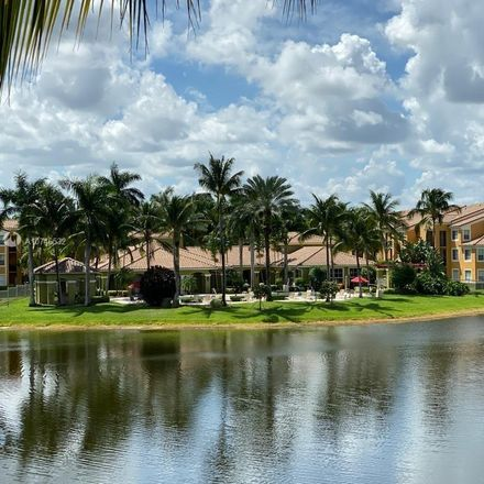 Rent this 1 bed condo on Miramar Blvd in Hollywood, FL