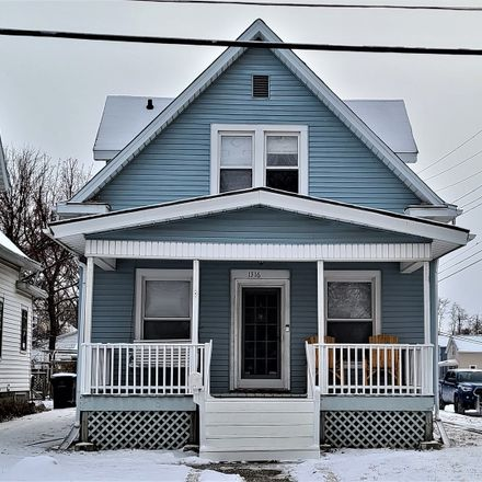 Rent this 3 bed house on 1316 West Olive Street in Bloomington, IL 61701