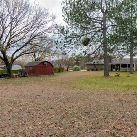 Rent this 3 bed house on 2603 South Lipsey Street in Decatur, TX 76234