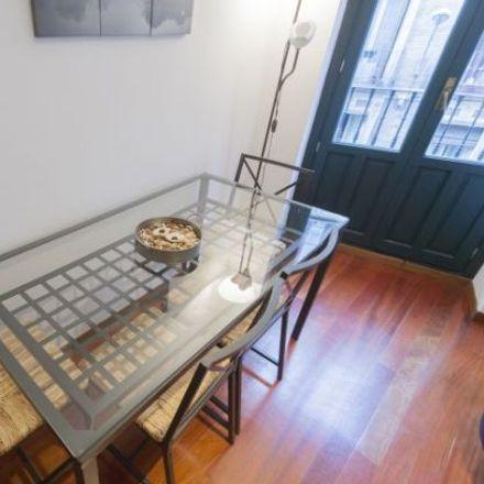 Rent this 2 bed apartment on Bodega de los Reyes in Calle de los Reyes, 6