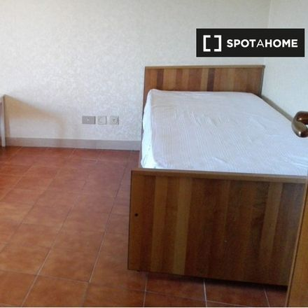 Rent this 3 bed apartment on Scuola Elementare Paolo Renzi in Via Paolo Renzi, 47