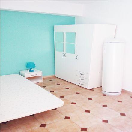 Rent this 3 bed room on Carrer del Pintor Cabrera in 46035 Benimamet, Spain