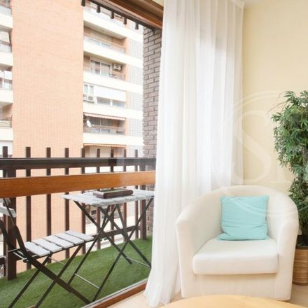 Rent this 1 bed apartment on Calle del Poeta Joan Maragall in 51, 28001 Madrid