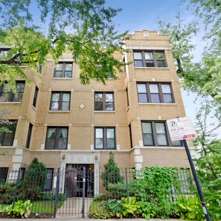 Rent this 3 bed condo on 2711 West Altgeld Street in Chicago, IL 60647
