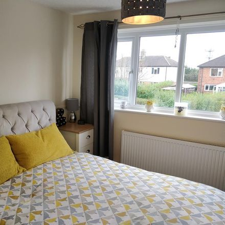 Rent this 3 bed house on Deepmore Close in Lichfield DE13 7AY, United Kingdom