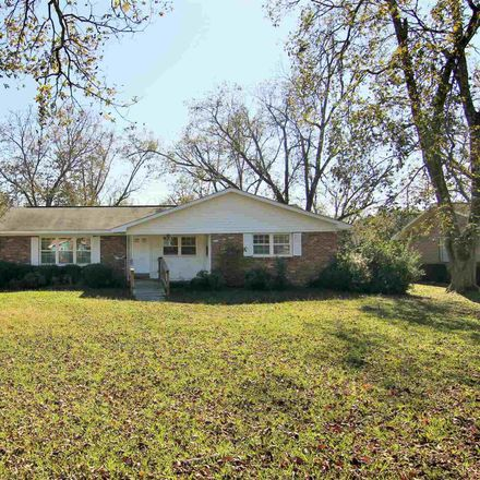 Rent this 3 bed house on 309 Pecan Ave in Fort Valley, GA