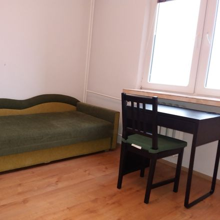 Rent this 4 bed room on Wyszogrodzka 2 in 03-337 Warsaw, Poland