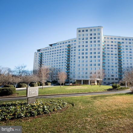 Rent this 2 bed condo on Grovesnor Market in 10401 Grosvenor Place, Parkside