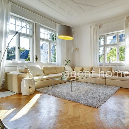 Rent this 3 bed apartment on Chinesischer Garten in Panoramastraße, 70174 Stuttgart