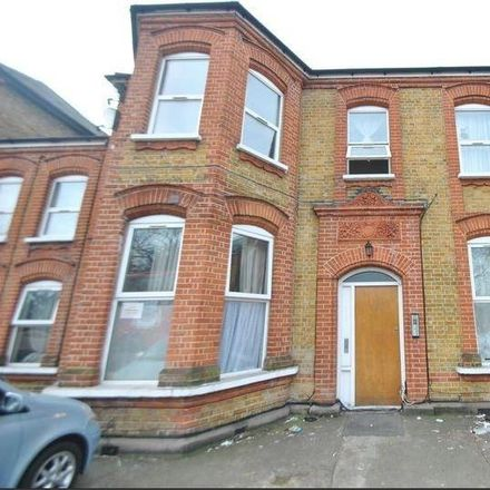 Rent this 2 bed apartment on 210 in Cranbrook Road, London IG1 4TH