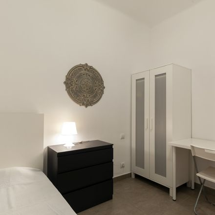 Rent this 4 bed room on Carrer de Lepant in 262, 08013 Barcelona